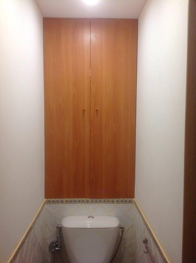 Santekhnicheskiy-shkaf-765x1024 Сантехнический шкаф в туалете